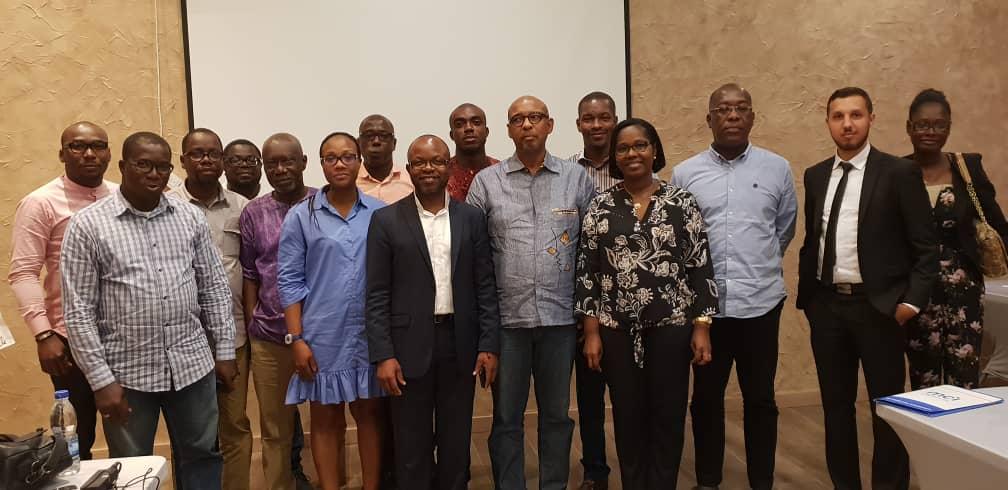 Equipe MCI care Côte d'Ivoire avec équipe MGT Conseils
